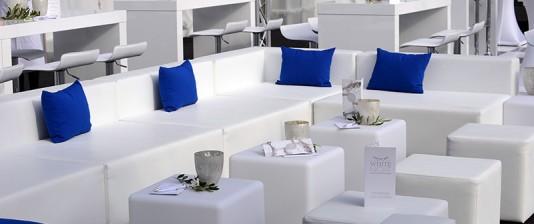 weiße Loungemöbel